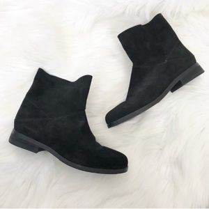 {Eileen Fisher} Black Leather Ankle Boots